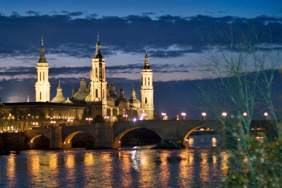 7-Vista-nocturna-BasIlica-del-pilar-con-Ebro-Daniel-Marcos