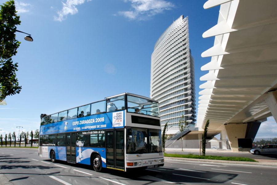 66-Bus-Turistico-entorno-Expo-Daniel-MArcos-FElix-Bernad